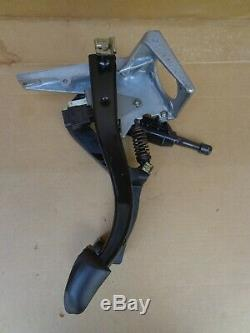 92-00 BMW 325i Clutch & Brake Pedal Assembly E36 318i 93 94 95 96 97 98 99